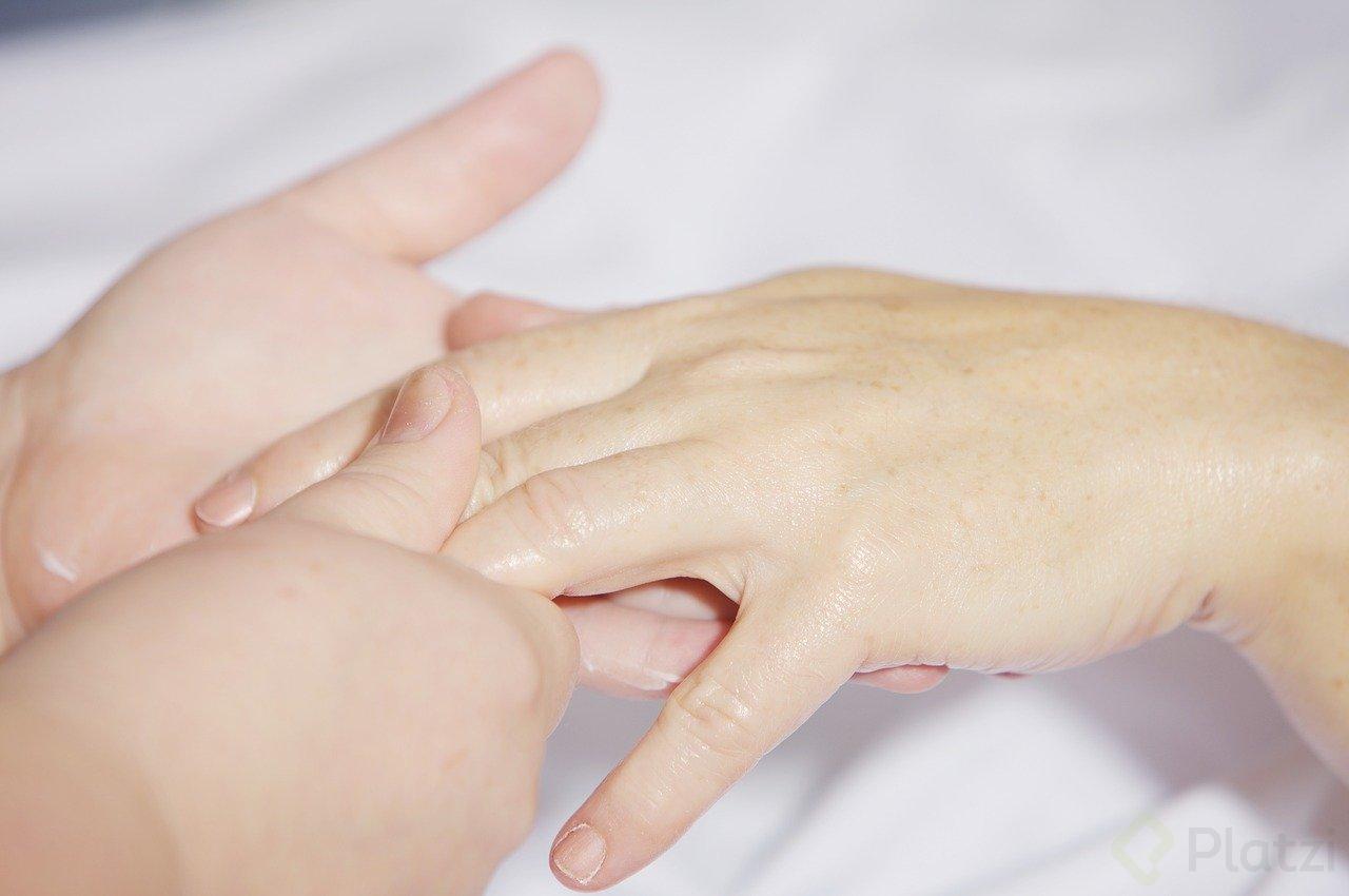 hand-massage-2133272_1280.jpg